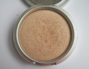 The Balm Highlighter Open